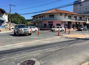 Instalação de rotatória no bairro Fortaleza