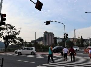 Semáforo entre a Ponte Adolfo Konder e Avenida Beira-Rio - foto de Eraldo Schnaider