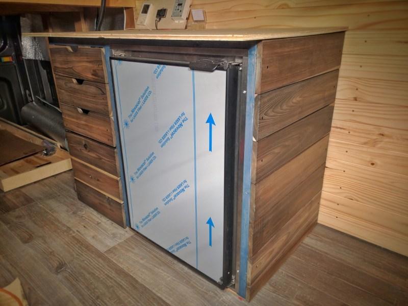 fridge-electrical-system-cabinet