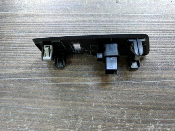 USB Flush Mount Installation Ford Transit (2)