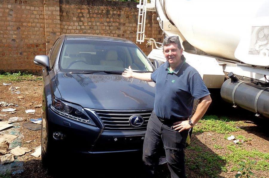 Сыщики из Британии проследили путь угнанного Lexus из Лондона в Уганду