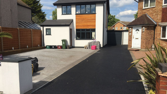 Combination of Tarmac Driveway with Block Paving