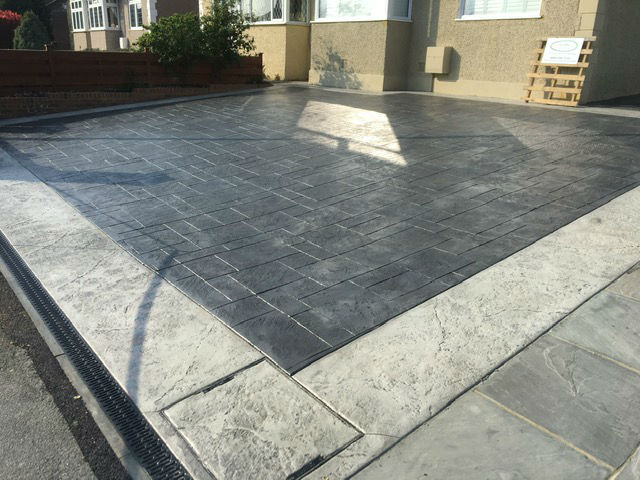 Imprinted Concrete Driveway with Decorative Concrete Border