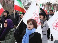 ایرانیان هوادار شورای ملی مقاومت در استکهلم تظاهرات کردند