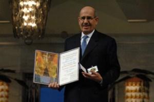 البرادعی، مدیرکل سابق آژانس بینالمللی انرژی اتمی، در حال حاضر ریاست ائتلافی از احزاب لیبرال و چپ را به عهده دارد