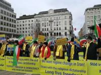 تظاهرات هواداران مقاومت در گرامی داشت 19 بهمن 1360 در استکهلم. 10 فوریه 2018