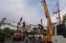 سقوط دکل مخابراتی در حکیمیه تهران