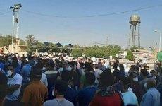 ادامه تجمع کارگران نیشکر هفتتپه خوزستان