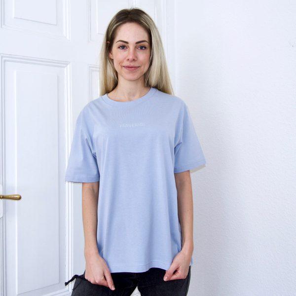 Organic Oversize Basic Shirt - Female Model