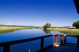 The Island Ranch is a one-of-a-kind 1,100 +/- acre ranch and is surrounded by approximately 7 miles of river frontage: 3 miles on the Fall River and 4 miles on the Tule River.