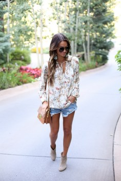 Coolest women denim trends idea (18)