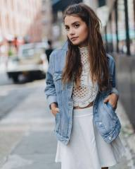 Coolest women denim trends idea (21)