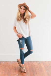Coolest women denim trends idea (33)
