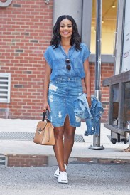 Coolest women denim trends idea (83)