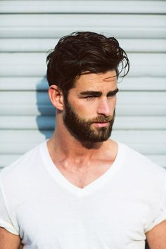 Best men short beard and mustache style 14