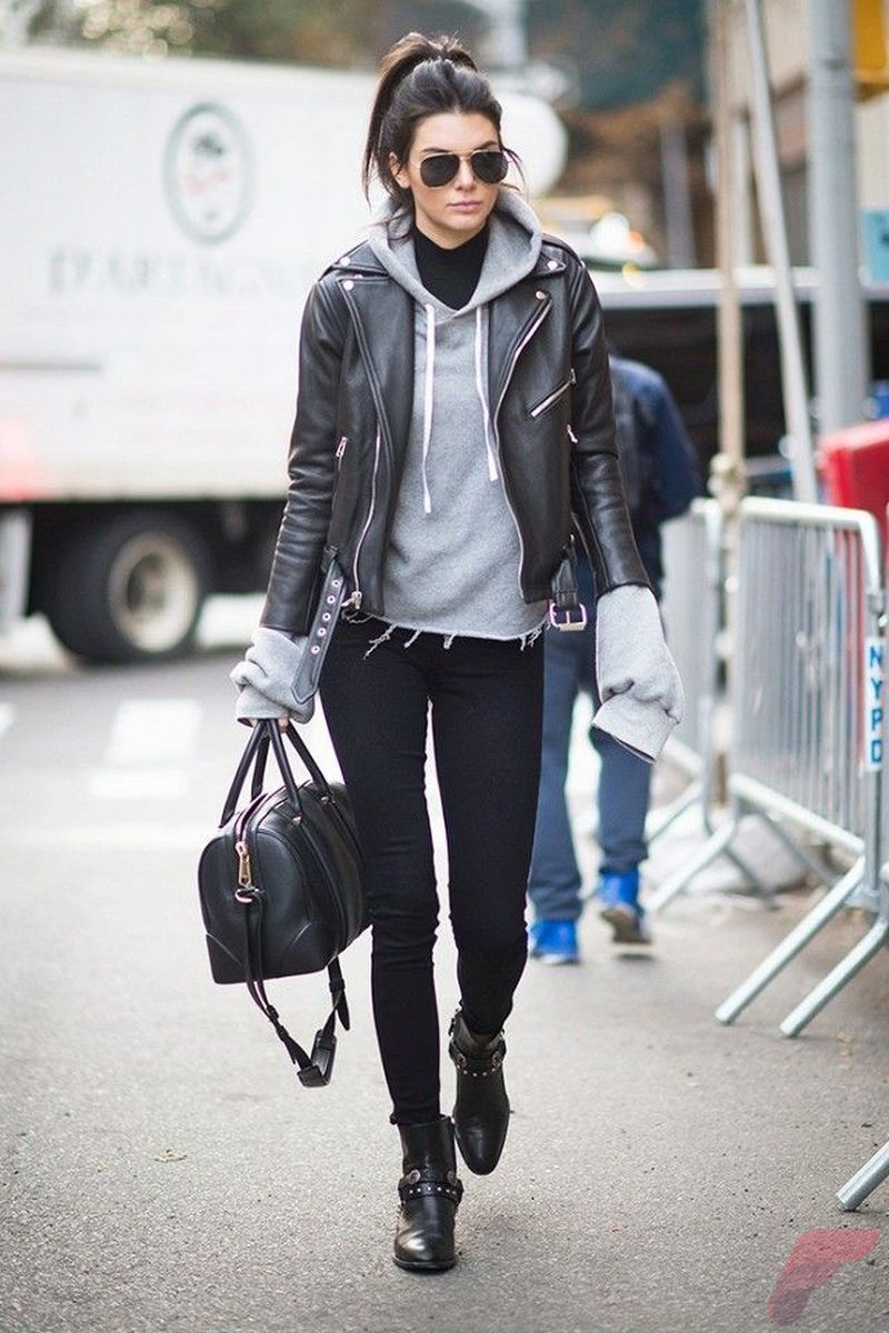 Black leather jacket outfit 9
