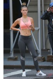 Celebrity workout style 58