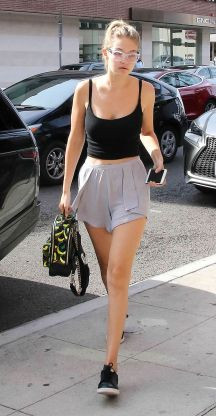 Gigi hadid sneakers outfit on the street 20