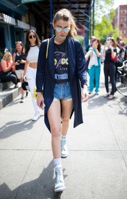 Gigi hadid sneakers outfit on the street 29