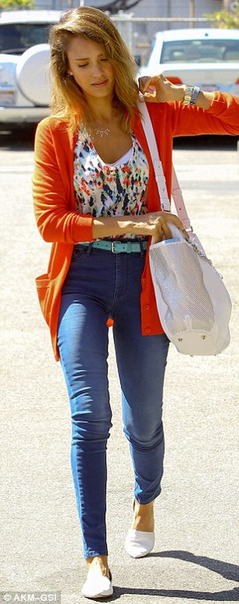 High waisted jeans outfit style 29