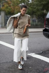 Minimalist style clothing for summer 11