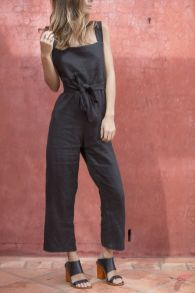 Minimalist style clothing for summer 4