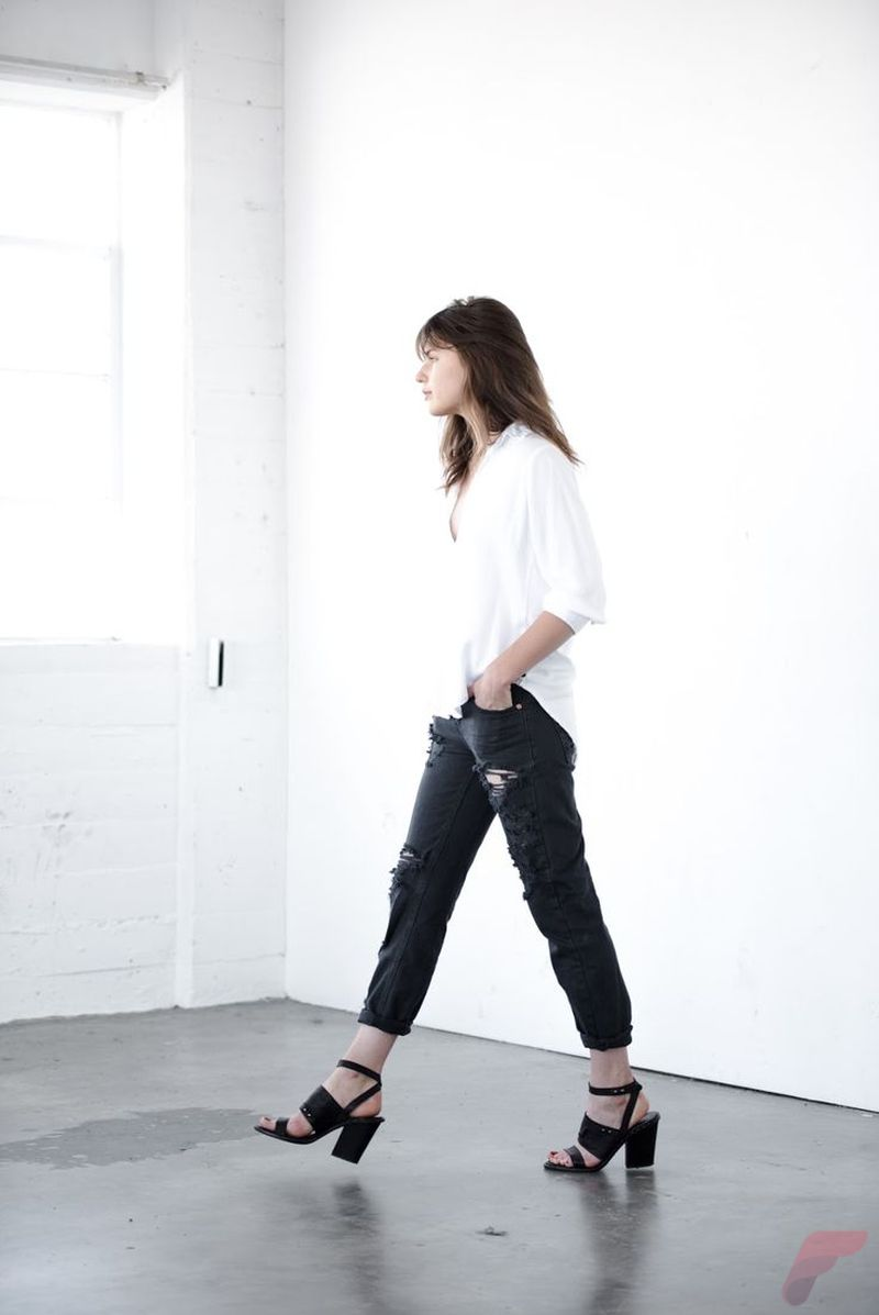Minimalist style clothing for summer 57