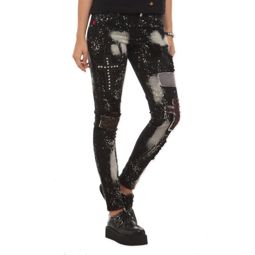 Skinny ripped jeans that will make you rock 28