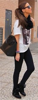 Sporty black leggings outfit and sneakers 55