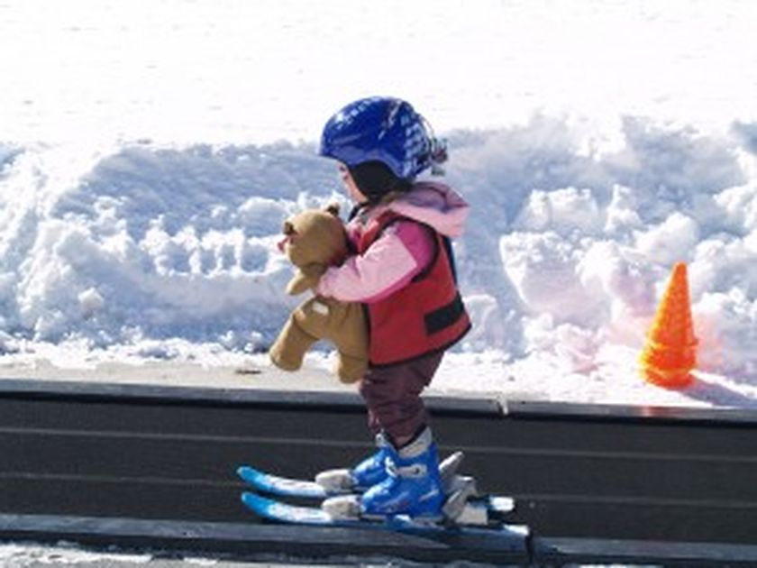 Adorable skiing outfit for your lovely kids 17