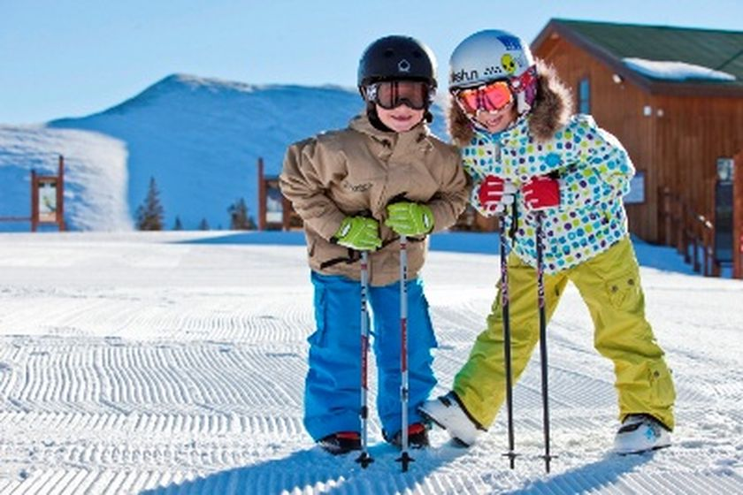 Adorable skiing outfit for your lovely kids 23