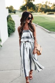 Casual black white striped midi dress outfit 31