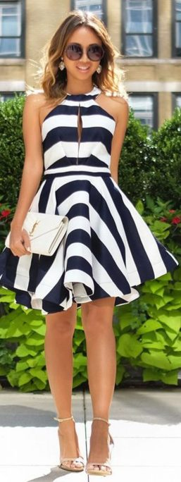 Casual black white striped midi dress outfit 42