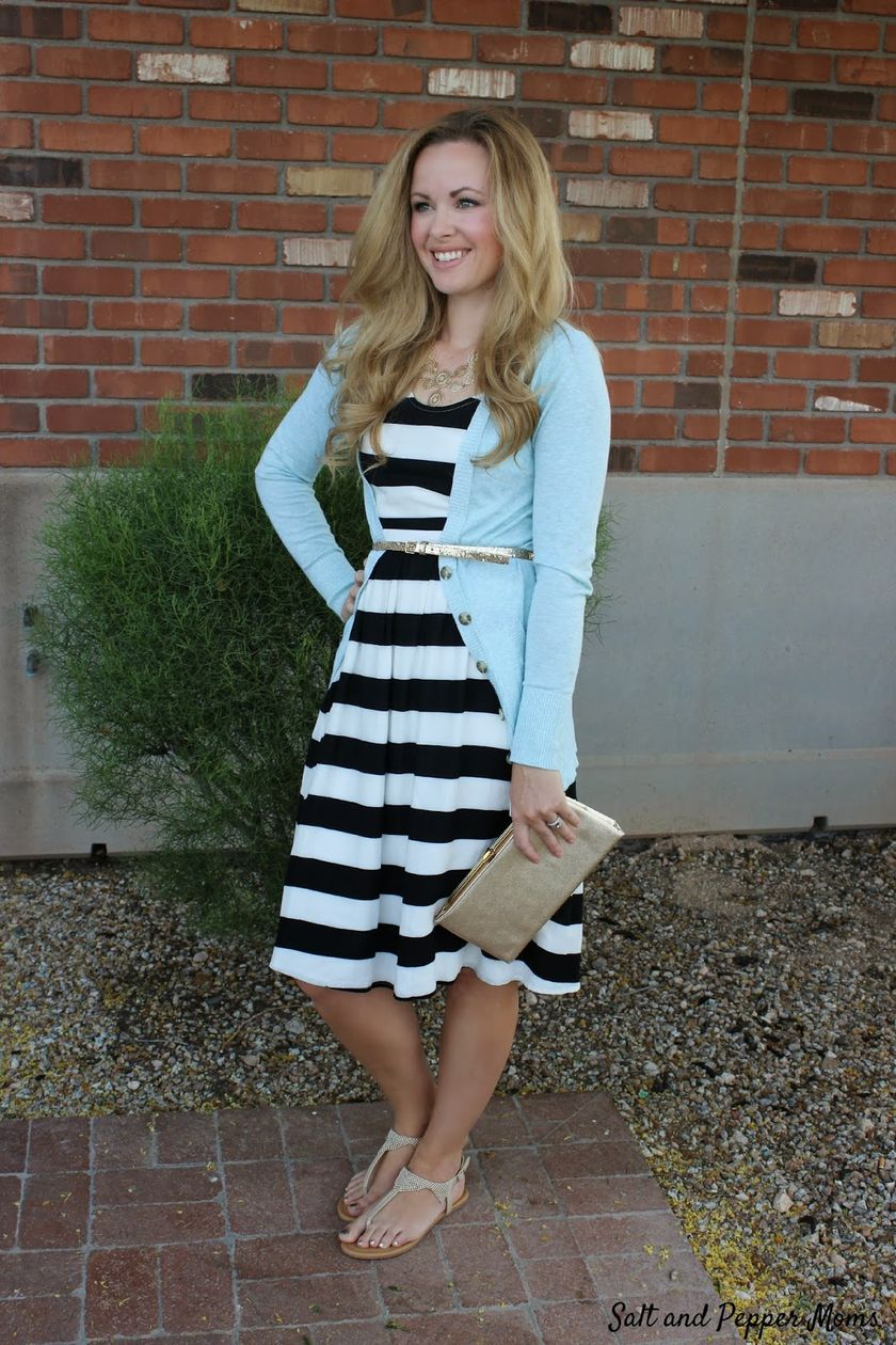 Casual black white striped midi dress outfit 9