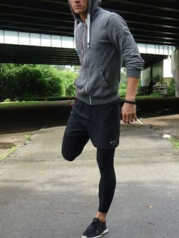 Cool mens gym and workout outfits style 15
