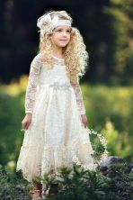 Gorgeous flower girl lace dresses ideas 11