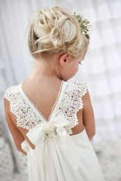 Gorgeous flower girl lace dresses ideas 14
