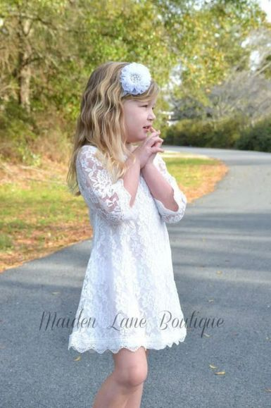 Gorgeous flower girl lace dresses ideas 27