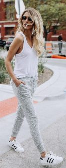 How to wear white sneaker for spring outfits 43