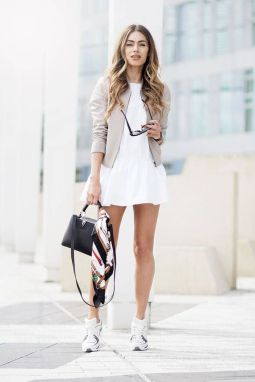 How to wear white sneaker for spring outfits 58