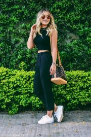 How to wear white sneaker for spring outfits 62
