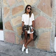 How to wear white sneaker for spring outfits 8