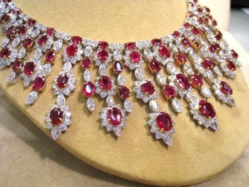 Magnificent burmese ruby and diamond necklace 30