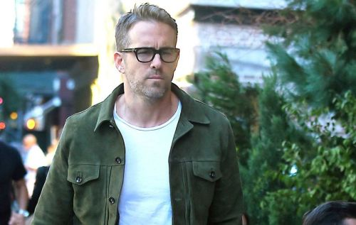 Ryan reynolds casual outfit style 15