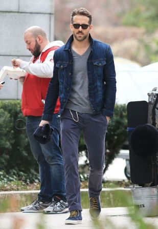 Ryan reynolds casual outfit style 37
