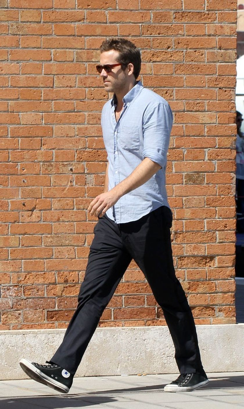 Ryan reynolds casual outfit style 41