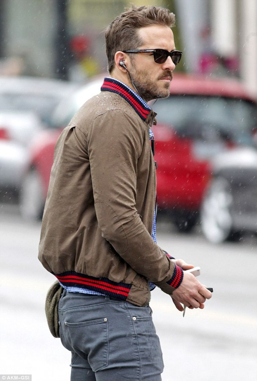 Ryan reynolds casual outfit style 50