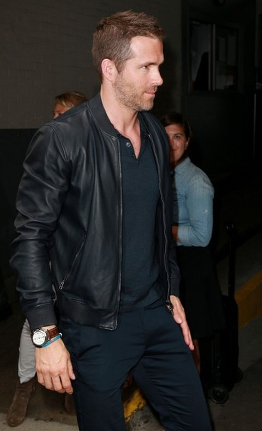 Ryan reynolds casual outfit style 7