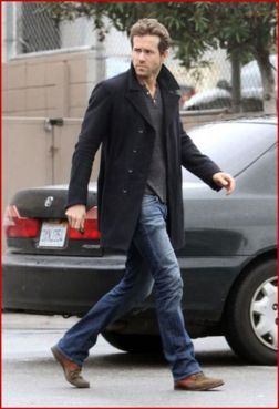 Ryan reynolds casual outfit style 8
