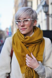 Short hair pixie cut hairstyle with glasses ideas 28